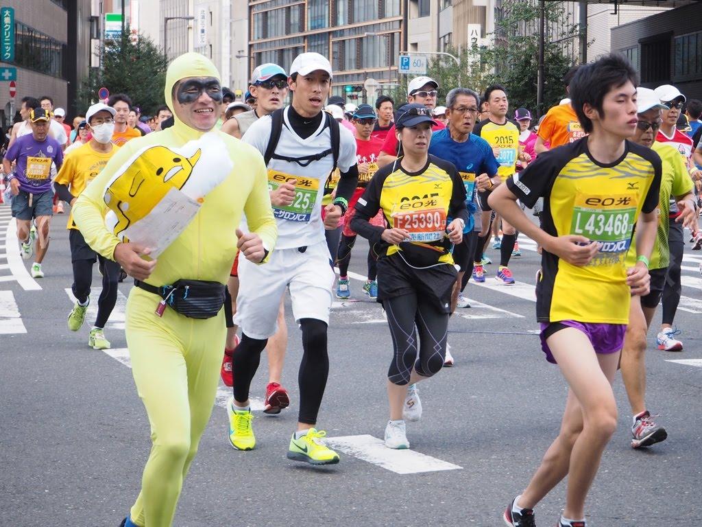 大阪マラソン仮装 ぐでたま